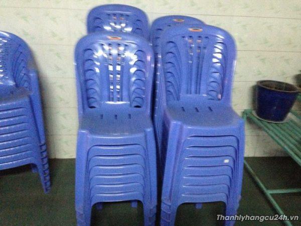 Thanh lý ghế nhựa duy tân cao mới 98%