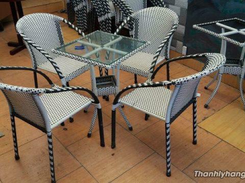 Thanh lý bàn ghế cafe ở tphcm