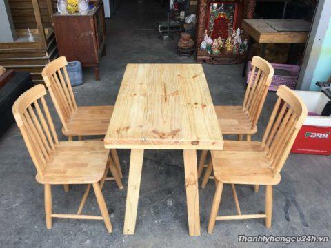 Bàn ăn 4 ghế gỗ cao su