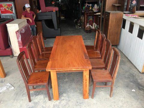 Bàn ăn 8 ghế gỗ gõ đỏ