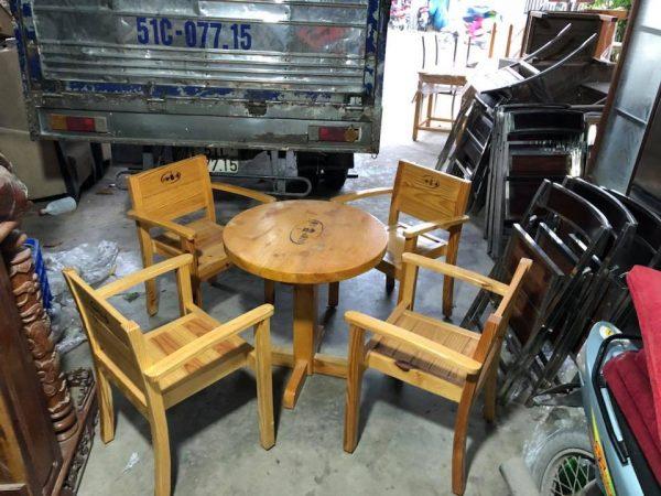 Mẫu bàn ghế đẹp cho quán cafe