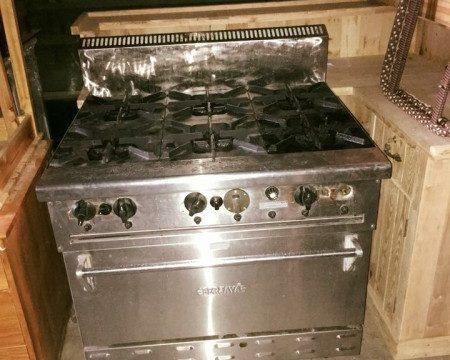 Bếp âu có lò nướng thanh lý