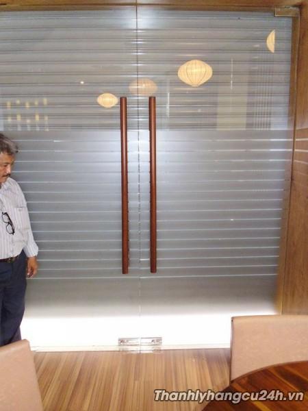 Thanh lý cửa kính cường lực
