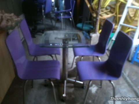 Thanh lý bàn ghế cafe màu tím - Thanh lý bàn ghế cafe màu tím