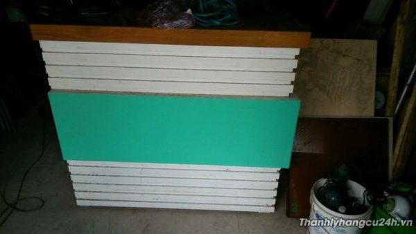 Thanh lý quầy thu ngân gỗ xanh trắng - Thanh lý quầy thu ngân gỗ xanh trắng