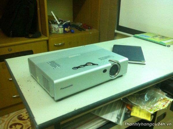 Thanh lý máy chiếu projector Panasonic