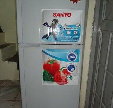 Thanh lý tủ lanh Sanyo 120l