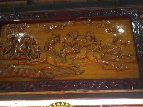 Thanh lý tranh sơn gỗ bóng - Thanh lý tranh sơn gỗ bóng