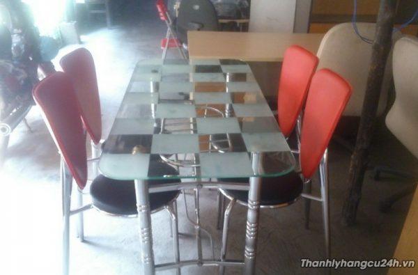 Thanh lý bàn ghế phòng ăn 4 ghế đỏ