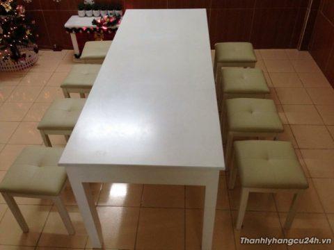 thanh lý bộ bàn ăn 8 ghế nệm trắng