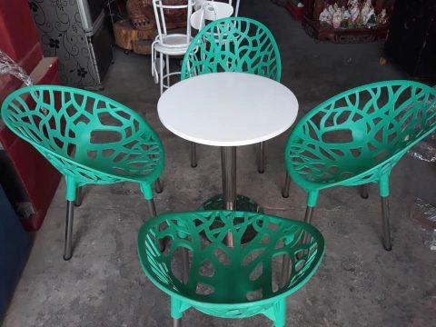 bàn ghế cafe nhựa đúc