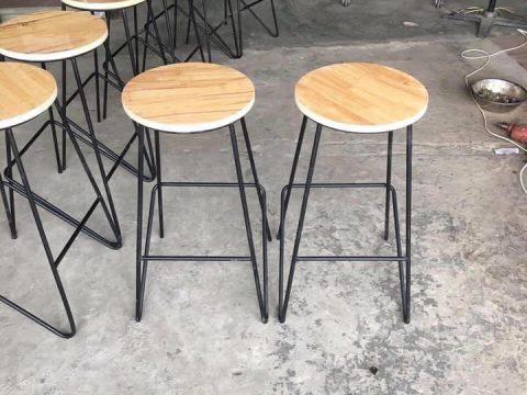 thanh lý ghế bar chân sắt mặt gỗ