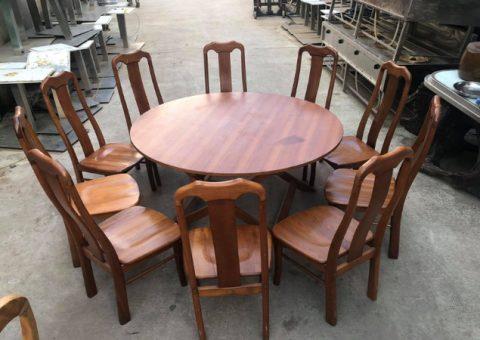 Bàn ghế gỗ cũ có chất lượng cao