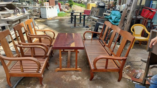 Mua bàn ghế cũ xưa